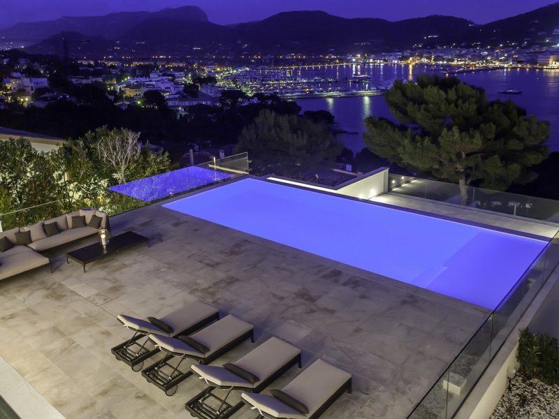 pool-by-night,luxury villa MSW08