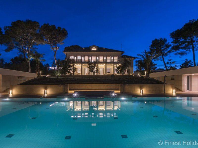 Villa Grandiosa, 10 bedroom villa in Alcudia, Mallorca