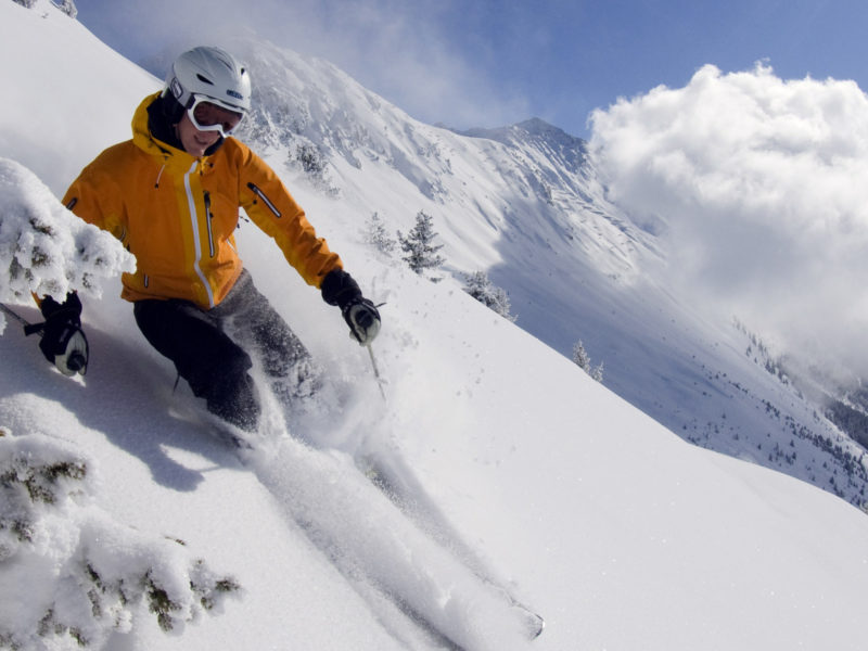www.finest-holidays.com Skiing fun Swiss Alps