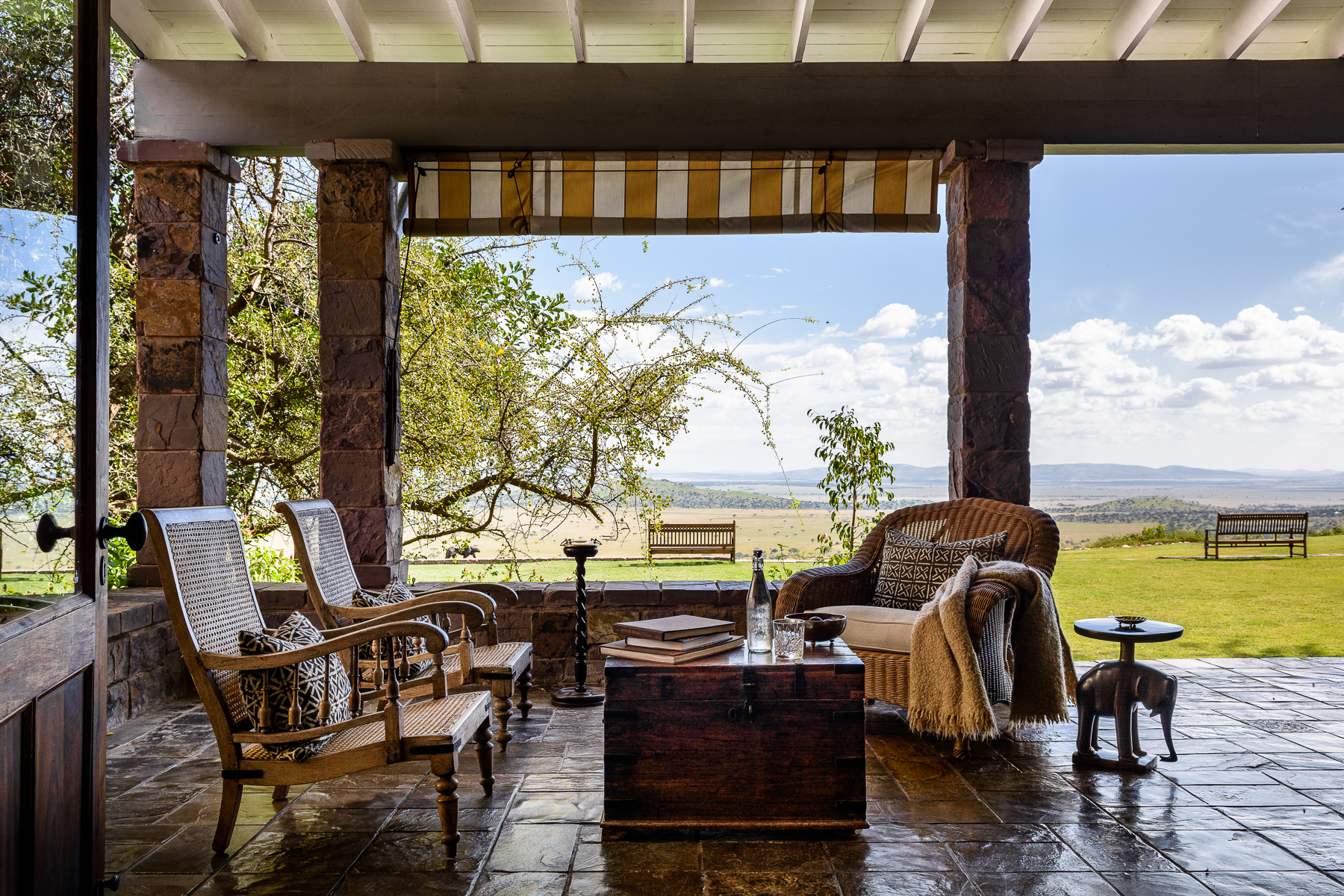 Singita Sasakwa Lodge, Deck views