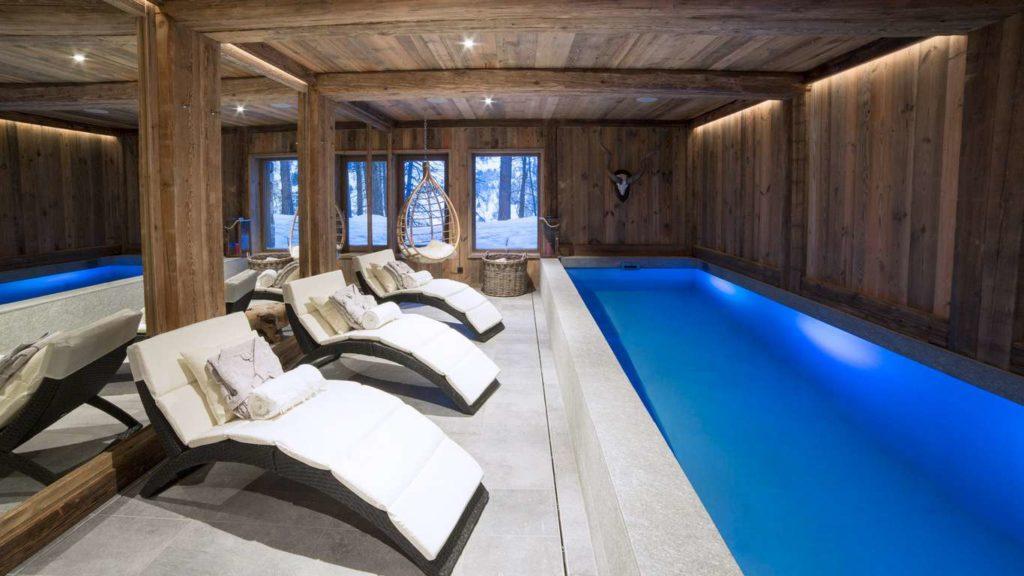 Chalet Inoko, indoor pool