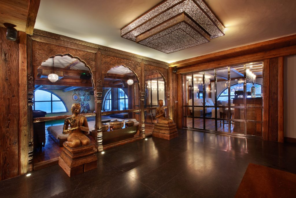 Luxury ski chalet Marco Polo, entrance hall, Val d'Isere