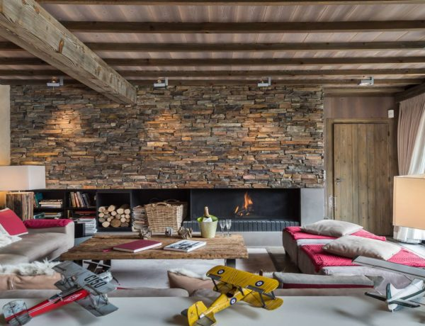 Living area with fireplace, Chalet Les Brames