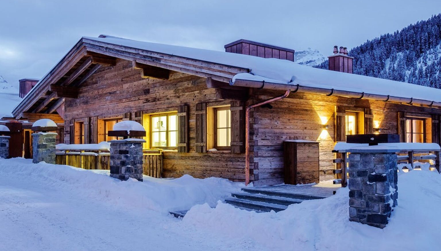www.finest-holidays.com SEVERIN*S - The Alpine Tesidence is a luxury alpine hotel with a 432sqm apartment, Lech, Austria, Alps