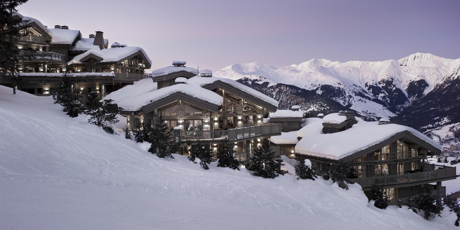 BOOK YOUR SKI HOLIDAYS NOW