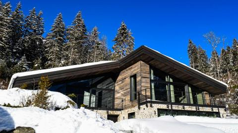 Chalet on the Rocks