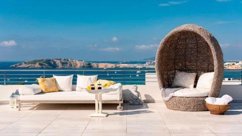 Villa Style Cap Martinet